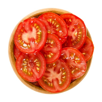 Tomato slices for your guinea pig