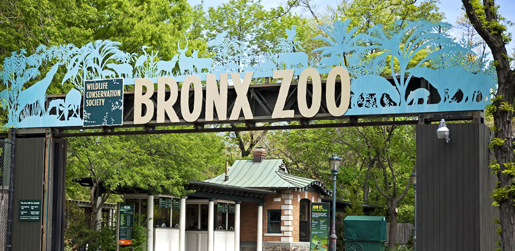 Entrance to the Bronx Zoo in New York